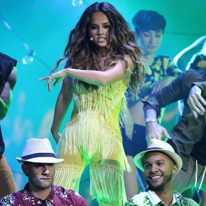Becky G first performed 'Mangu' at the Latin American Music Awards.